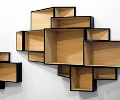 A limited edition of the SheLLf bookcase An unusual path for SheLLf by the designer Ka-lai Chan.