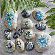 Måla på sten