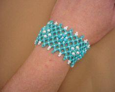 SALE Perlen Armband Türkis und gold von beadnurse auf Etsy