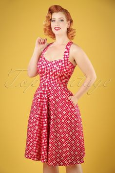 Celebrate the summer with this 50s Judith Checked Swing Dress!If you think about summer, you think about Judith! The fitted bodice features a sweetheart neckline and shoulder straps which can be worn crossed. Made from a stretchy fabric with a raspberry red/white BB gingham and daisies which enhances your curves perfectly without marking any problem areas. Summer should get a fast ticket with Judith in your closet ;-)   Semi-swing style Sweetheart neckline Adjustable shoulder s...