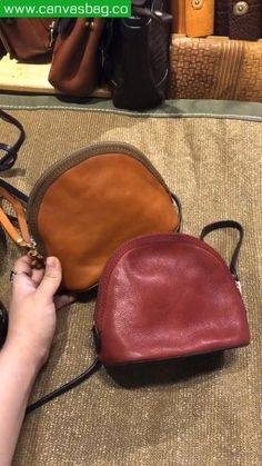 Leather Bag Tutorial, Leather Wallet Pattern, Handmade Leather Wallet, Leather School Backpack, Leather Laptop Bag, Diy Bags Patterns, Leather Diy Crafts, Diy Purse, Coin Bag