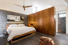 Exceptionnel 12 Bedroom Designs That Feature A Privacy Wall | Furnish Burnish | Interior  House | Pinterest | Bedrooms, Walls And Master Bedroom