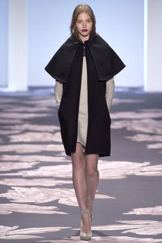 Vera Wang Fall 2013: Graphic layers