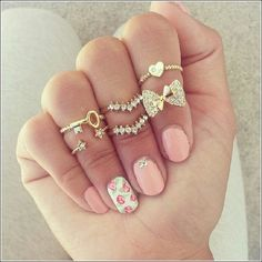 Midi rings – To refresh your summer look.