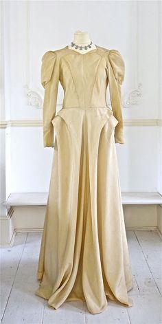 1940s Elsa Schiaparelli Wedding Dress (Circa 1944)