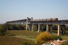 France - Freight train ECR France 66 66223 / Cubzac-les-Ponts railway bridge — Trainspo