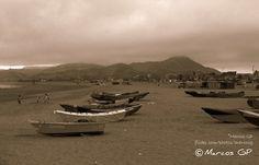 https://flic.kr/p/8BBv2X   Botes de pescadores   Botes en la playa de Cerro Azul. Cañete - Lima Peru
