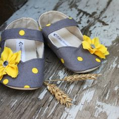 Springy baby shoes :).....love these for my lil girl