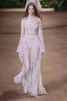 Elie Saab: alta-costura com styling contemporâneo - Vogue | Desfiles