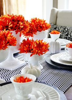 Fall_Dining_Room . . . black, white & orange striking combination