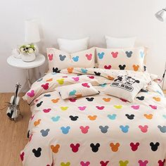 This cool Mickey Mouse bed set comes with 4 pieces to make the perfect Disney bed. You can pickfromsizes Full, Queen and King. Quilt cover, fitted sheet(1) ,shams(2) Mickey Mouse Cartoon Bedding, ...