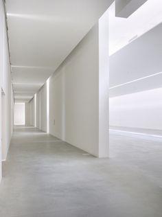 White interior | interior design. Innenarchitektur . design d'intérieur |  Inspiration @ twoism13 |