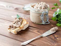 Voici un recette de cretons de porc simple et facile à réaliser à la maison.