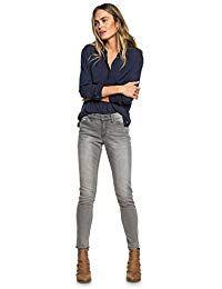 Skinny grey jeans, navy or black blouse, boots Skinny Fit Jeans, Grey Skinny Jeans Outfit, Outfits With Gray Jeans, Grey Pants, Skinny Jean Outfits, Outfit Jeans, Jeans Outfit Winter, Ripped Jeggings, Ripped Denim
