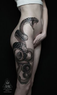 I don't like snakes, but this is a nice tattoo