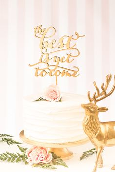 お手本は海外の花嫁♡オシャレなウェディングケーキにするポイントはケーキトッパーを使うこと♡ | BLESS【ブレス】|プレ花嫁の結婚式準備をもっと自由に、もっと楽しく