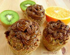 Zdrowe, pyszne, a do tego łatwe w wykonaniu. Maria Pabich (jakzdrowozyc.pl) dzieli się z nami przepisami na warzywne muffinki, które zapewnią ci energię po każdym treningu.