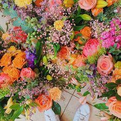 Pas dexcuse pour les fleurs A tout ceux que lon aime !  @pampa #amour #aime #fleurs #pampa #paris #saintvalentin #oupas #amitié #nature #colors #apointun #agencecreative