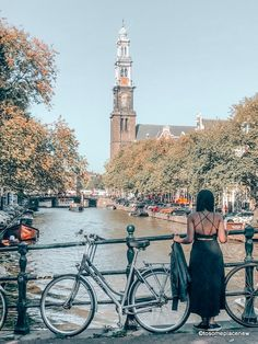 A 2 day Amsterdam itinerary with sightseeing and travel tips, and a quick day trip to the countryside. Find out how we spend 2 days in Amsterdam itinerary. 2 Days In Amsterdam, 4 Days In Paris, Visit Amsterdam, Amsterdam City, Amsterdam Travel, Amsterdam Itinerary, Paris Itinerary, Paris Photography, Road Trip Usa