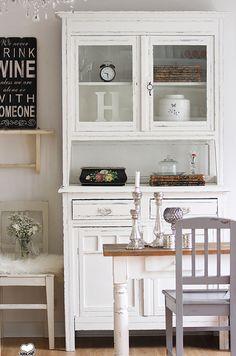 Vintage Buffets - Küchenbuffet, Küchenschrank in Creme Weiss - ein Designerstück von bleuetrose bei DaWanda