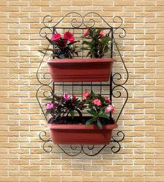 MÓDULO Horta, Floreira, Jardineira ou Jardim Vertical (Dupla) 76X48 cm    Num pequeno espaço disponível em sua casa ou apartamento, você poderá ter um maravilhoso cantinho verde, com aroma de flores, hortaliças, chás, ervas aromáticas e/ou medicinais, etc.    Vantagens em adquirir:  Baixíssima ma...