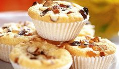 Pečte s acidofilným mliekom: Gaštanové mafiny | DobreJedlo.sk Eat Smarter, Breakfast, Food, Oven, Food Food, Recipies, Morning Coffee, Essen, Meals