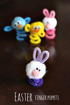 Easter finger puppets with pipe cleaners and pom poms… what a great idea! I have all these things in my house-doing it today!
