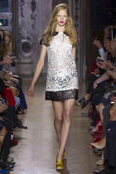 London Fashion Week--- Best of... | {LATEST WRINKLE} #style #fashion #fbloggers #trends #runway #london