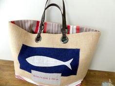 """sac cabas XL en toile de jute avec poisson argent """"baignade à 200 m"""" de la boutique bykarbon sur Etsy"""