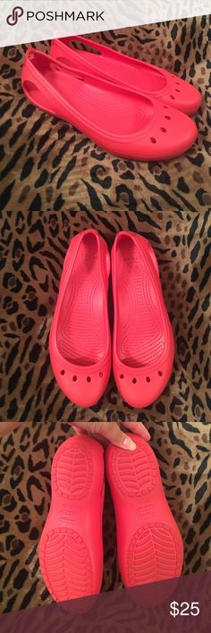 """Crocs Flats Excellent condition, worn once. Soles are a bit dirty, but overall they look great. Fiery red with a little bit of sheen. Classic Crocs comfort. Size 9, but I can wear them at a 9.5 comfortably. Note: the W on the soles means """"women's"""", these are not wides. CROCS Shoes Flats & Loafers"""