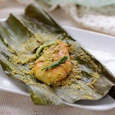 Prawn Paturi Seafood Recipes, Indian Food Recipes, Seafood Shop, Prawn Shrimp, Bengali Food, Coconut Health Benefits, Desi Food, Fish Curry, Food Concept