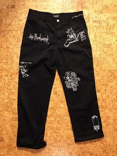 Selfmade custom painted pants I thrifted for 4 which are inspired by the brain dead joggers [art] Painted Jeans, Painted Clothes, Custom Clothes, Diy Clothes, Fashion Pants, Fashion Outfits, Foto Fashion, How To Make Clothes, Costume Collection