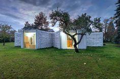 Chameleon House - Picture gallery #architecture #interiordesign #landscape