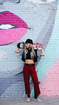 skater girl style - style e girl & surfer girl style & french girl style & country girl style & skater girl style & hype style girl & hairstyles for black girls kids & toddler girl style Look Skater, Skater Girl Style, Burton Snowboards, Style Indie, Teen Fashion, Fashion Outfits, Skater Fashion, Fashion 2018, Cheap Fashion