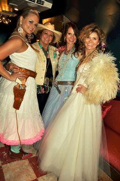 miranda lambert and the junk gypsies in her airstream. . . junk-o-RaMA prom, miranda lambert & a rockin' good time!