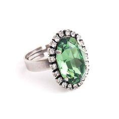 Koop deze fonkelende groene ring met Swarovski Elements kristal bij Aurora Patina, de leukste sieraden webshop van Nederland!
