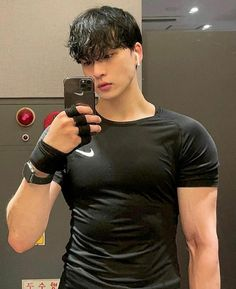 Korean Boys Hot, Asian Boys, Most Handsome Actors, Abs Boys, Ulzzang Boy, Korean Outfits, Male Models, Cute Boys, Polo Ralph Lauren