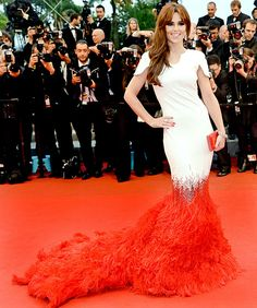Cheryl Cole's dress is by far the most fascinating of all red carpet dresses at the Cannes!