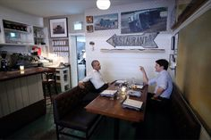 Obama and Trudeau meet up for dinner in Montreal