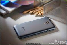Interesante: El Meizu M2 Note posa ante la cámara para mostrarnos parte de su diseño