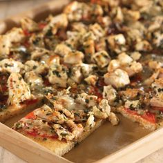 Chicken, Pesto & Tomato Flatbread - The Pampered Chef®