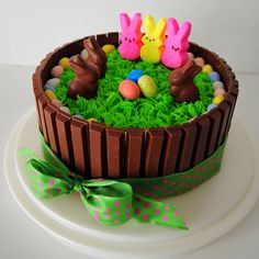 """Easter Egg Hunt Cake = Pastel M & M Eggs in Kit Kat """"Fenced in Backyard"""" Holiday Cakes, Holiday Desserts, Holiday Baking, Holiday Treats, Hoppy Easter, Easter Eggs, Easter Cake, Easter Bunny, Easter Food"""