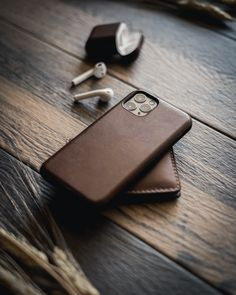 New iPhone 11 & Pixel 4 Leather Cases New Iphone, Apple Iphone, Blackberry Smartphone, Accessoires Iphone, Mobile Gadgets, Iphone Leather Case, Cool Iphone Cases, Apple Products, Apple Watch