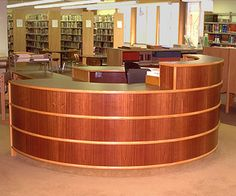 Circular circulation desk