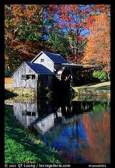 Autumn at Mabry Mill, Blue Ridge Parkway Blue Ridge Parkway, Old Barns, Country Barns, Country Life, Beautiful World, Beautiful Places, Beautiful Pictures, Mountain View Restaurant, Water Mill