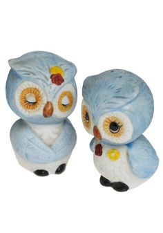 ModCloth: Vintage I Could Eat You Owl Up Shakers in Blue - OMG! So cute! To bad they are sold.