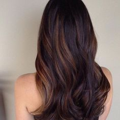 Blonde and dark brown hair color ideas. Top best Balayage hairstyles for natural black and brown hair. Balayage hair color ideas with blonde, brown, caramel. Top Balayage hairstyles to completely new look. Brown Hair Balayage, Balayage Brunette, Hair Color Balayage, Brunette Hair, Ombre Hair, Black Balayage, Balayage Straight, Brunette Highlights, Honey Balayage