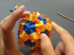【花の折り紙】ひまわり色のくす玉 | 大人の折り紙インテリア