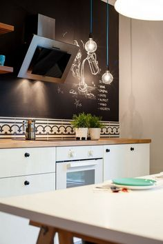 Cool Inspiration For An Expansive Modern L Shaped Eat In Kitchen With An Undermount Sink And Shaker