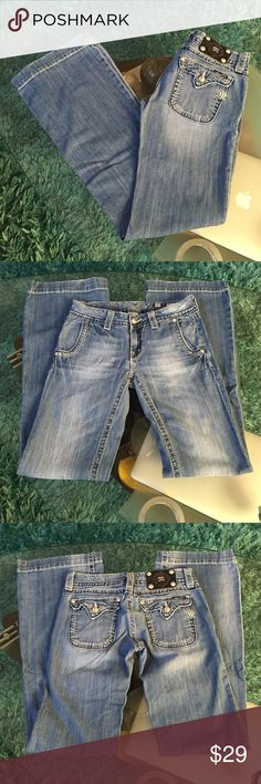 Miss Me jeans Good condition Miss Me jeans size 27 inseam  33 Miss Me Jeans Flare & Wide Leg